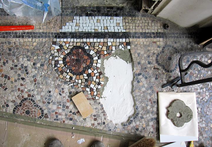 Renovation d'un sol en mosaïque à Bordeaux