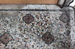 Rénovation d'un sol en mosaïque du XIXe siècle à Bordeaux (chantier terminé)