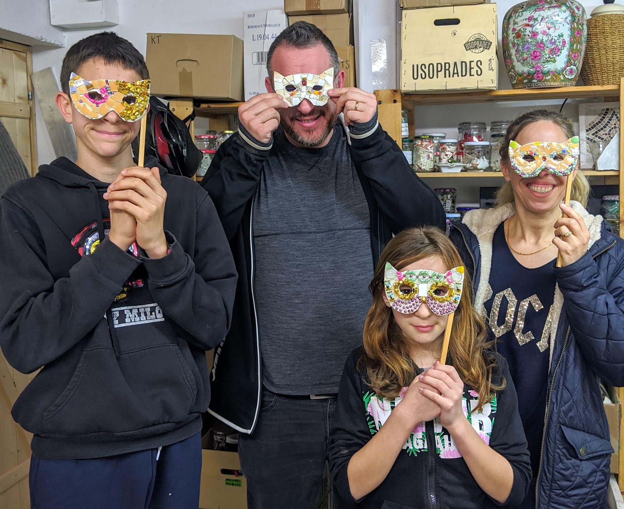 2020 02 Atelier-mosaique-parent-enfant-masques-tessae-Talence-Bordeaux-Bègles-Pessac
